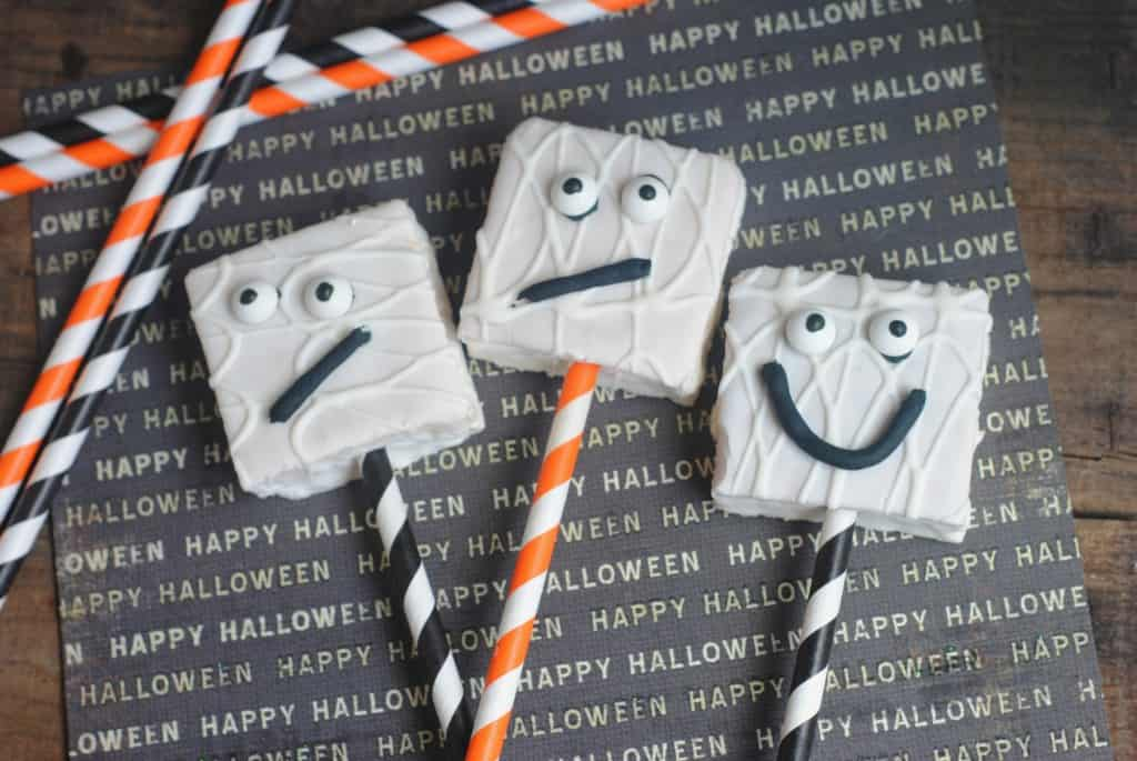 Ghost Cakes Perfect For Halloween Treats