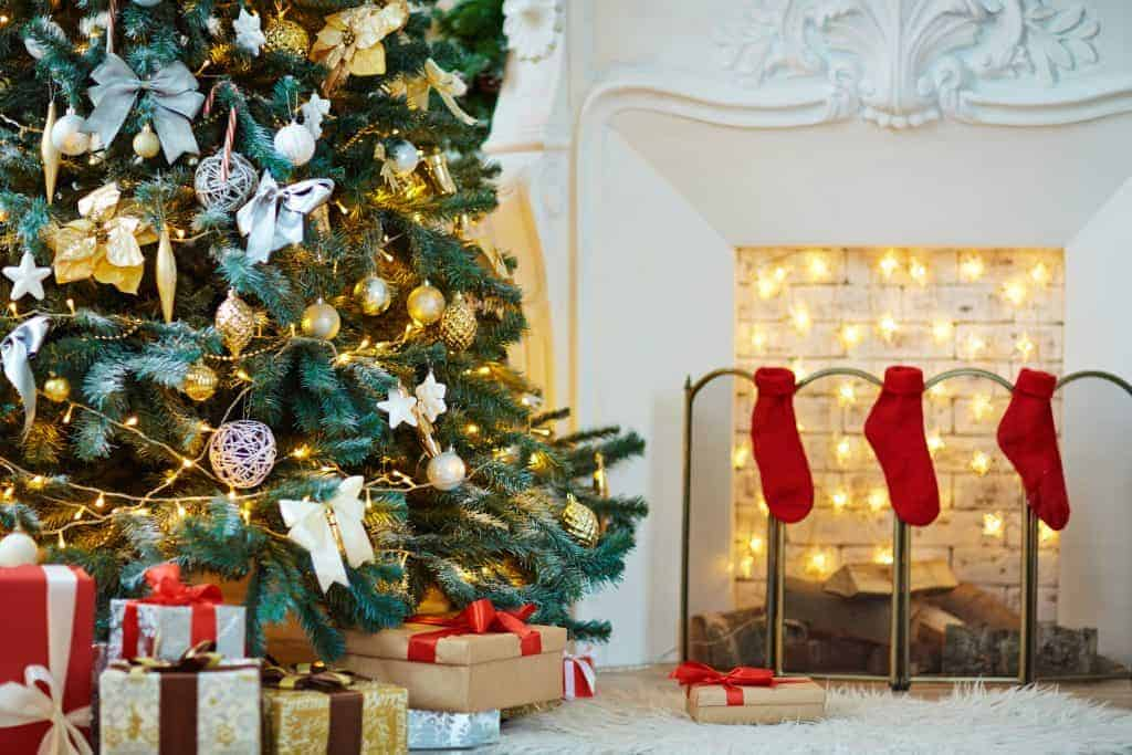 Perfect 2018 Christmas Gifts (4 Elegant Presents To Surprise Your Loved Ones)