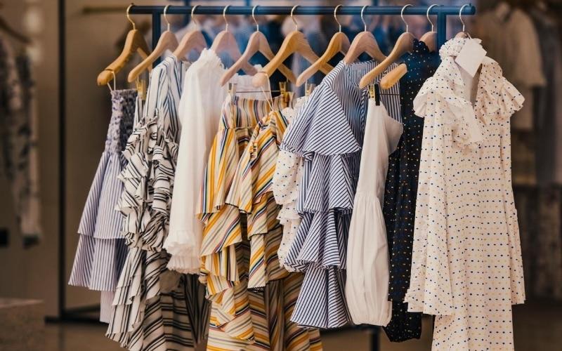 Fashion Hacks: How to Look Fabulous on a Budget